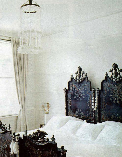 White bedroom with vintage BedRoom bedroom decor bedroom design Bed Room| http://furniturediysonya.blogspot.com