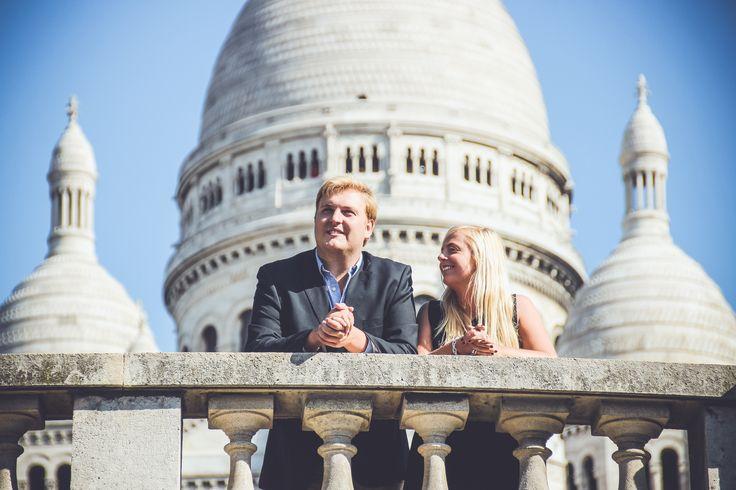 A walk across Montmartre with Noémie & Simon - WESHOOT Paris Photo Session