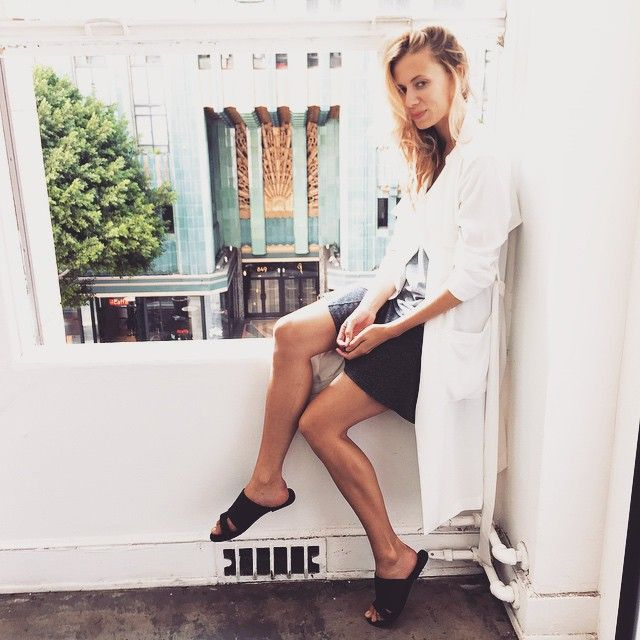 @elizabethminett: Showroom lyfe ✌️ Could be lab coat, could be @thelineanddot. At @infinitycre8ive wearing @solsanashoes sandals. ⚫️ #hauteappetit #DTLA #fashion #ootd #goodmorning