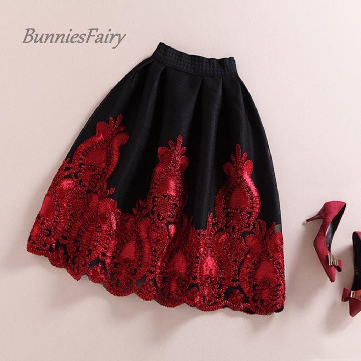 BunniesFairy 2015 Autumn Winter European and American Royal Vintage Style Black Hidden Plaid Skirt Burgandy Lace Embroidery Tutu