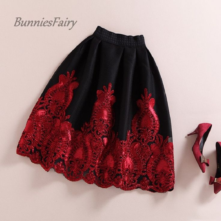 BunniesFairy 2015 Autumn Winter European and American Royal Vintage Style Black Hidden Plaid Skirt Burgandy Lace Embroidery Tutu