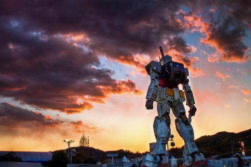 RX-78 Gundam statue in Japan: Gundam Robot Large Jpg, Enemy Robots, Making Robots, Cloudy Gundam, Japan Robot, Robots Smarter, Gundam Sunset, Robot Cloudy