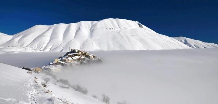 Castelluccio...breath-taking panorama, Umbria  Castelluccio...un panorama incantato, Umbria