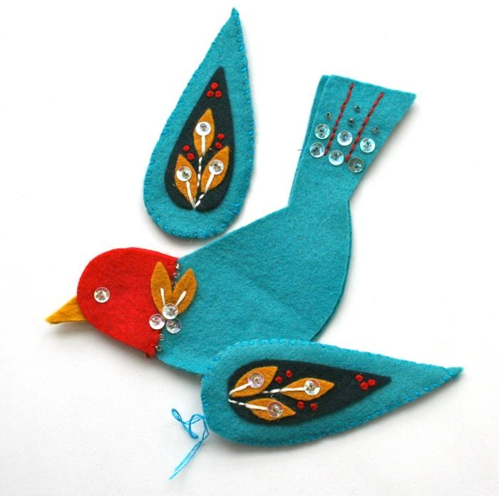 Felt embroidered bird ornament | mmmcrafts