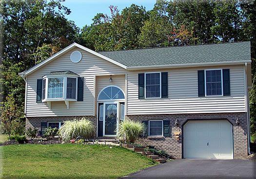 Bi-Level Home Plan: HARTFORD 1,227 Square Feet of Living Area    |     3 Bedroom    |     2 Bathrooms