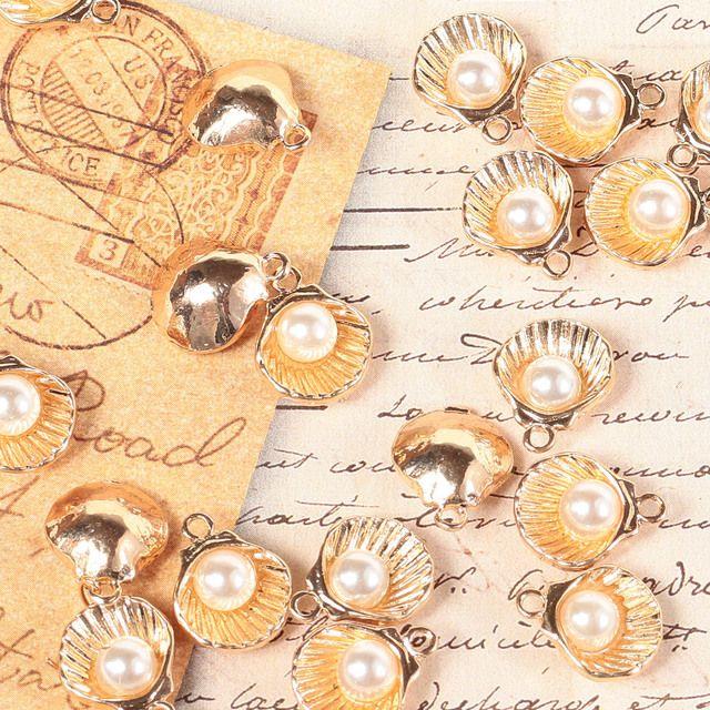 装飾 チャーム パール付き貝 3個 ゴールド ネックレス ピアス レジン 手芸 ハンドメイド ネイル 封入 材料 透かし アクセサリー (CHA-G29)