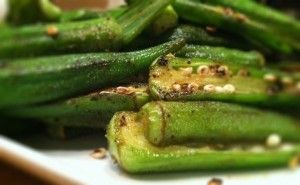 Paleo Comfort Foods - Sauteed okra Or in the Oven 1. Preheat oven to 350 degrees. 2. Wash and pat dry the okra. 3. Spread out the okra evenly on a baking sheet. 4. If using coconut oil, melt it down in the microwave, and then drizzle the oil (whichever you choose) over the okra. 5. Season with salt, pepper, and garlic powder. 6. Bake at 350 degrees for 25-30 minutes, or until the okra is tender.