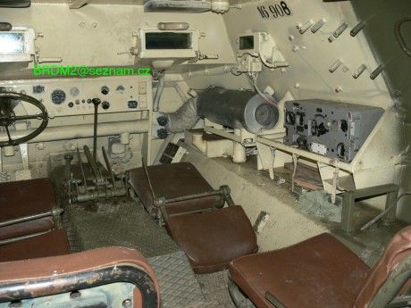 Vojenská technika ČSLA a AČR - Fotoalbum - Pásová obrněná vozidla a jejich varianty - Polopásový obrněný transportér OT-810 - 32. OT-810 R2