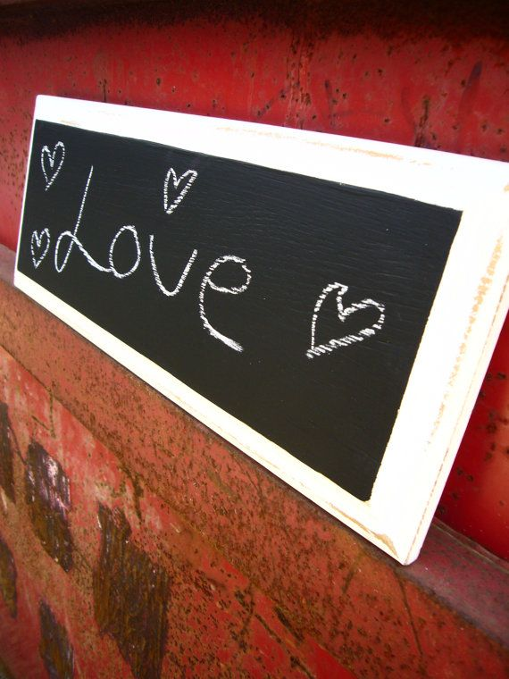 This chalkboard is made from solid wood and is perfect to leave notes on for yourself and your lloved ones.    A lovely white rustic effect the overall