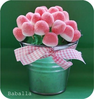 Candy flowerpot with ribbon. Easy and beautiful for a girl's birthday party or a baby shower