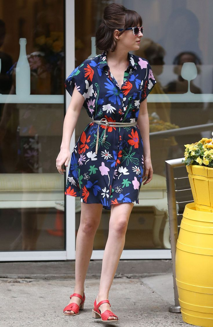 Batwing sleeve tea dress - Dakota Johnson (How to be Single movie)