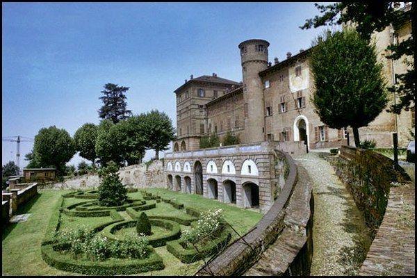 #SaveTheDate: 11#novembre #riapertura #CastelloReale di #Moncalieri, primo periodo #accesso con #prenotazione e #visitaguidata. #Top 😆😉 https://t.co/gg4OLT6Mmx