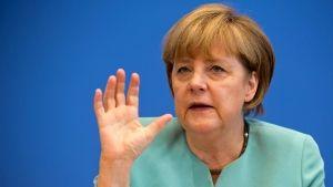Frankfurter Allgemeine Zeitung/ Feuilleton/     Aktuell     Feuilleton     Debatten     Überwachung/  Offener Brief an Angela Merkel/ Deutschland ist ein Überwachungsstaat  http://www.faz.net/aktuell/feuilleton/debatten/ueberwachung/offener-brief-an-angela-merkel-deutschland-ist-ein-ueberwachungsstaat-12304732.html
