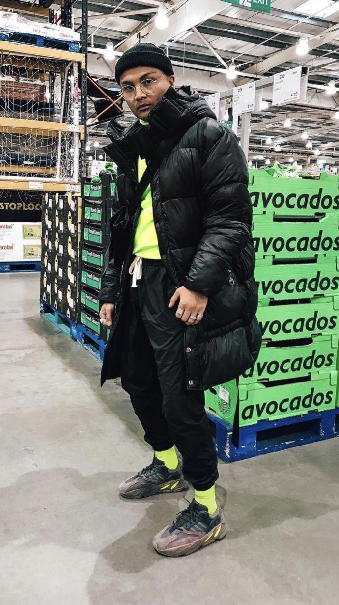 yeezy 700 mauve   Mens fashion