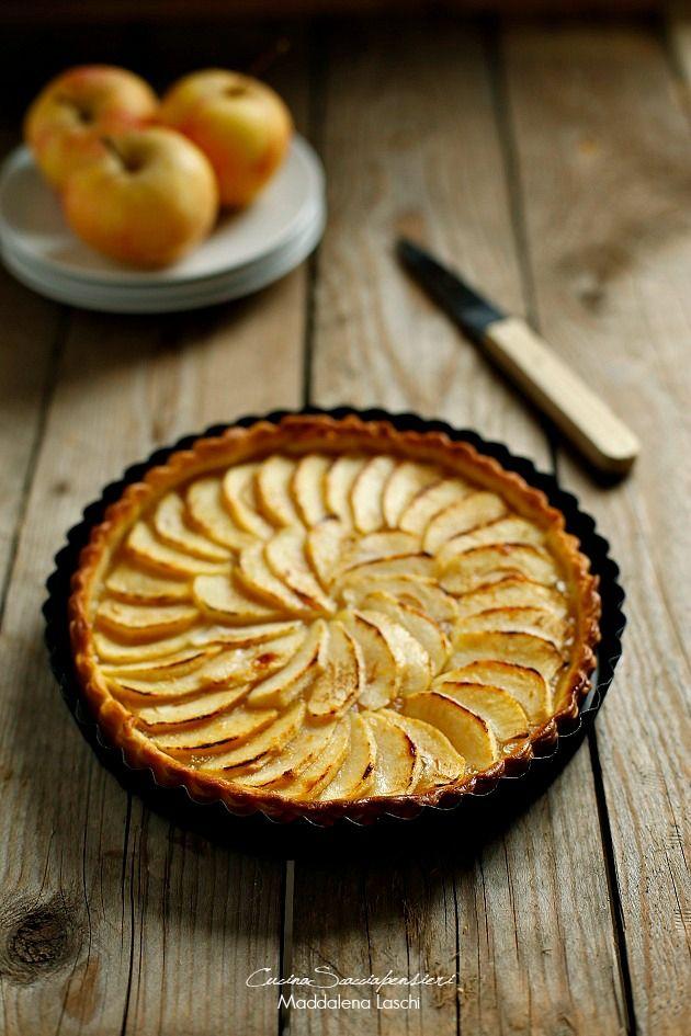 Che le torte di mele siano buone non è certo una novità, che siano un cibo semplice e sempre apprezzato non è una grande scoperta...  Le...