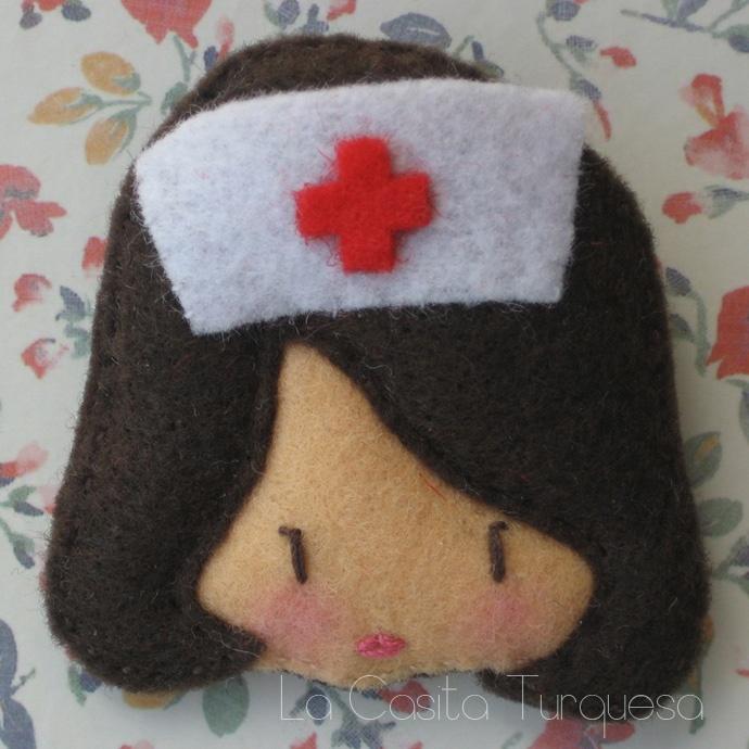 Nurse Brooch Enfermera