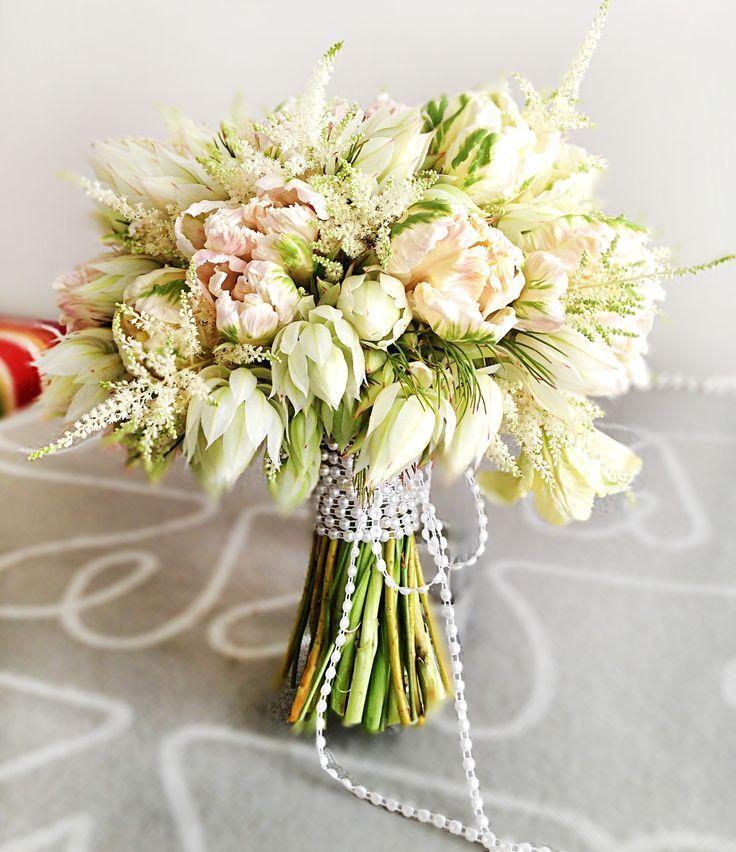 76 best Flower arrangements I did images on Pinterest   Cymbidium ...