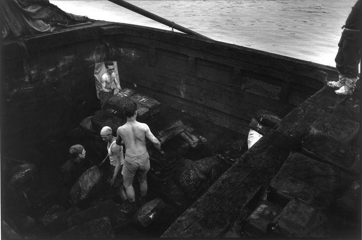 lisetta carmi - porto di genova, 1965.