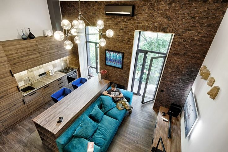 Ivan Yunakov Designs a Small Apartment in the Historical Center of Kiev