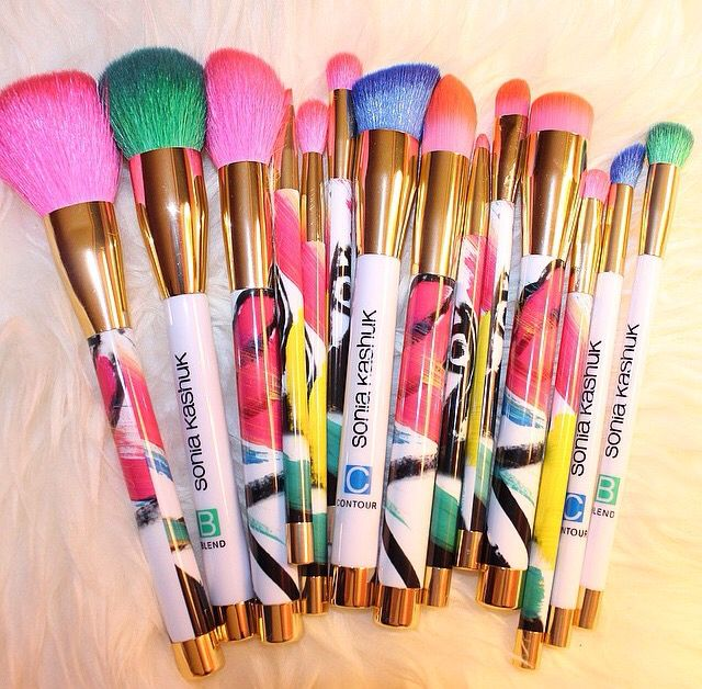 Sonia Kashuk brushes. Find them at Target. Very good quality, affordable and beautiful! Buffy VS