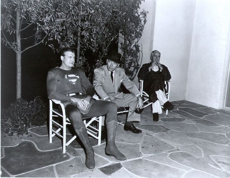 RARE STILL  TV's  SUPERMAN GEORGE REEVES OFF CAMERA PERRY WHITE
