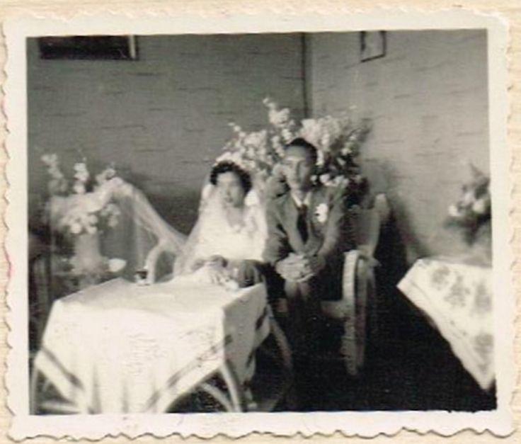 2 Bandoeng mijn ouders op hun trouwdag 1953, vond laatst op internet bij delpher.nl hun huwelijksaankondiging in de Nieuwsgier!