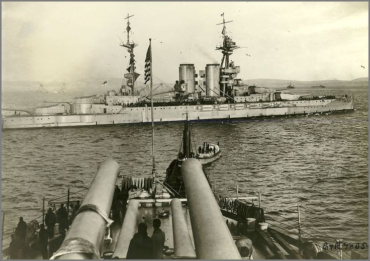 Grand Fleet flagship HMS Queen Elizabeth, lead ship of her famous 15 in class, viewed from 14 in USS New York at Scapa Flow in 1918. Significantly modernised, both battleships went on to serve with distinction throughout WW2.