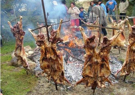 El manjar de la patagonia, no hay nada mas sabroso que un buen cordero al palo.