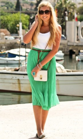 i love this!Midi Skirts, Fashion Outfit, Summer Outfit, Summer Looks, Long Skirts, Spring Outfit, Bold Colors, Summer Clothing, Pleated Skirts