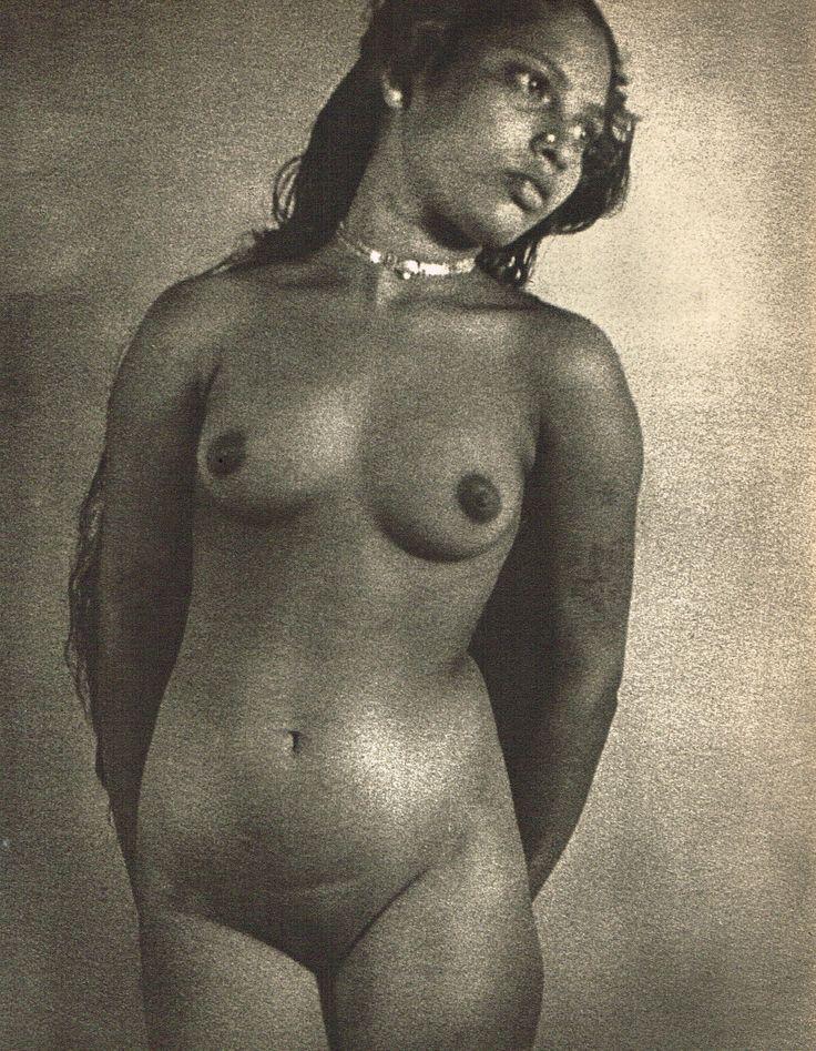 Grande galerie mama s hula girl