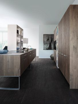 """Knotholes, cracks and the brushed surface give the new oak front Xylo"""" the gnarled aged wood character."""