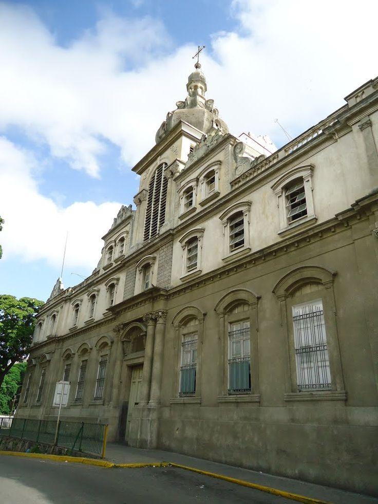 Caracas. Vista Lateral de la Parroquia San Benito - Santuario San José del Ávila