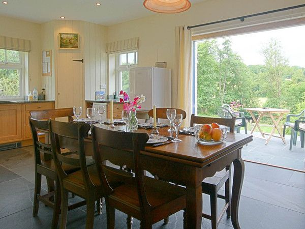 Penwaun - Step out from the kitchen diner