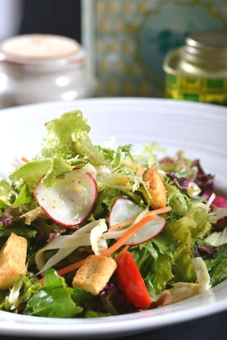 Ανάμεικτη σαλάτα με φασολάκια, ντοματίνια & βινεγκρέτ μέλι-μουστάρδα