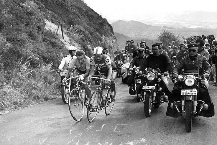 Photo Jacques Anquetil , Raymond Poulidor, 1964 - Presse Sports - L'Équipe