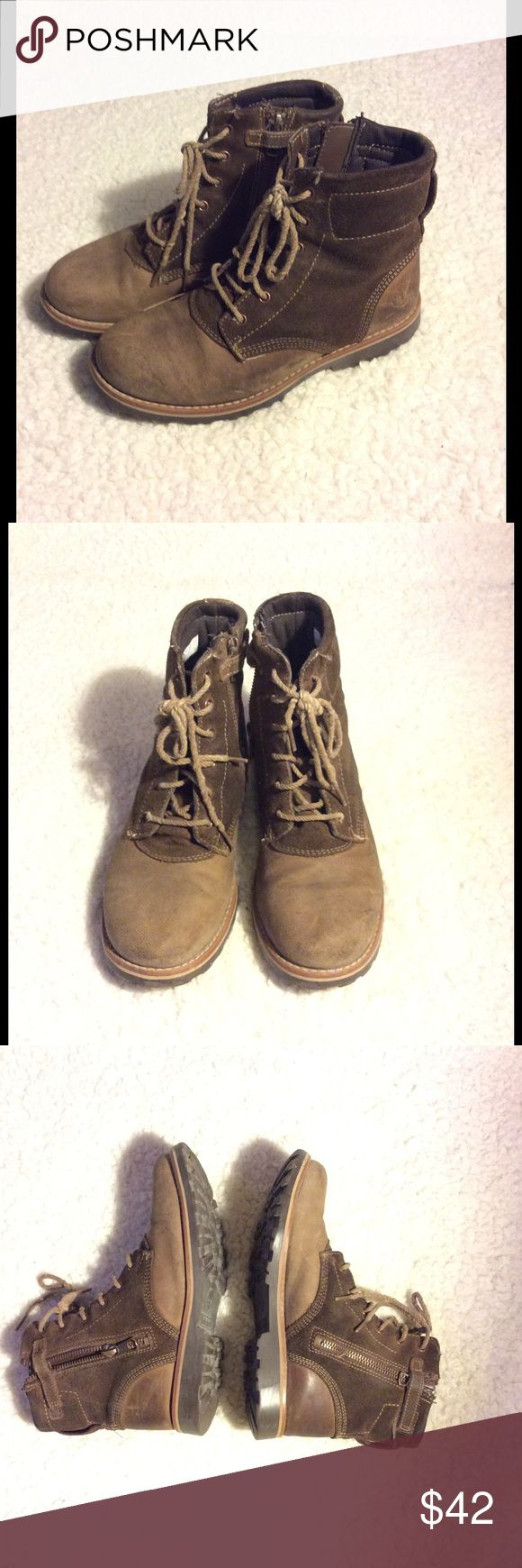 🎀 Girls Timberland Boots 🎀 Adorable boys Timberland boots. Distressed look. Side zipper. Timberland Shoes Boots