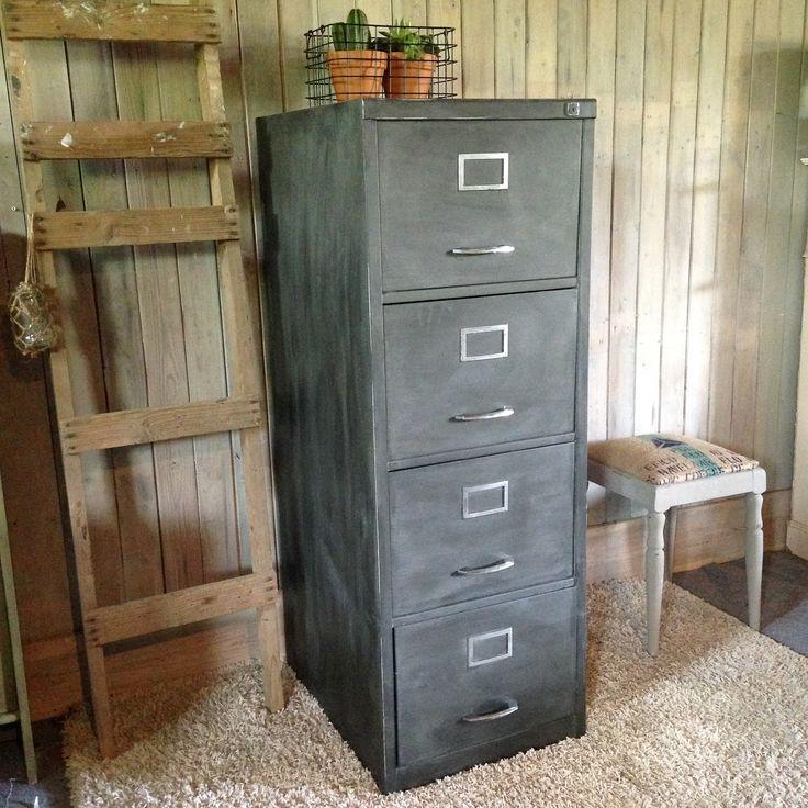 Stoere archiefkast in het zwart!