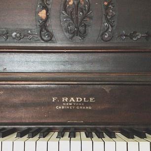 .@amandajanejones (Amanda Jane Jones) 's Instagram photos - our old piano
