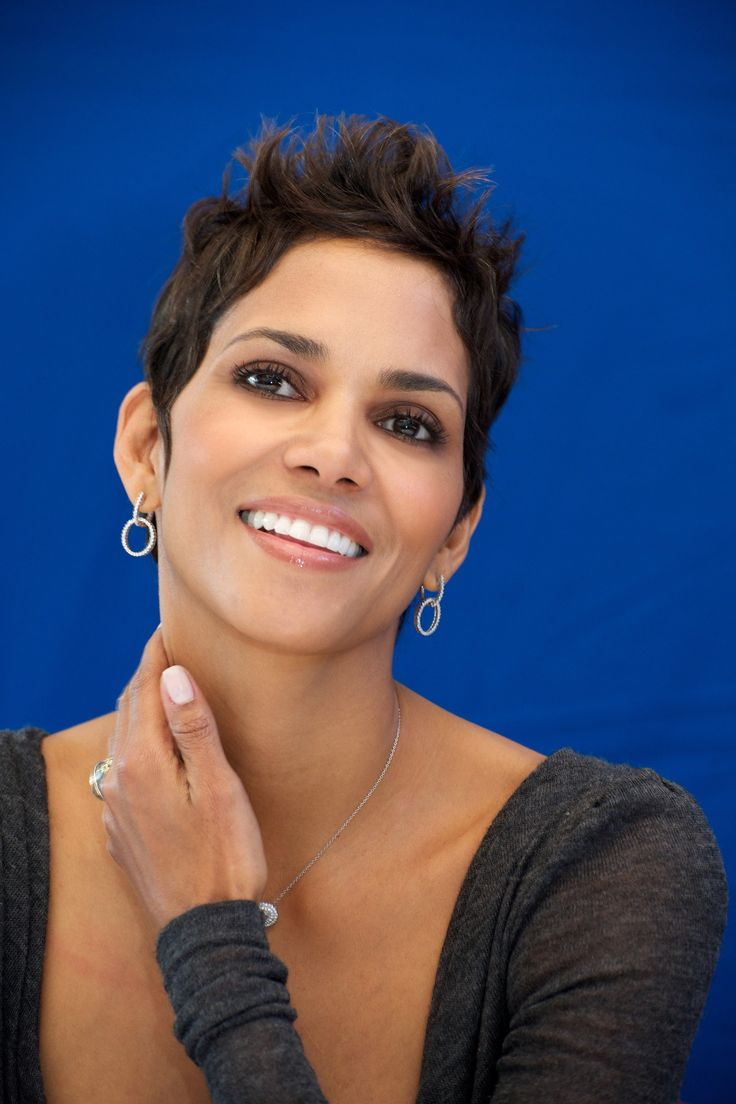1000+ ideas about Halle Berry Haircut on Pinterest | Halle ... Halle Berry
