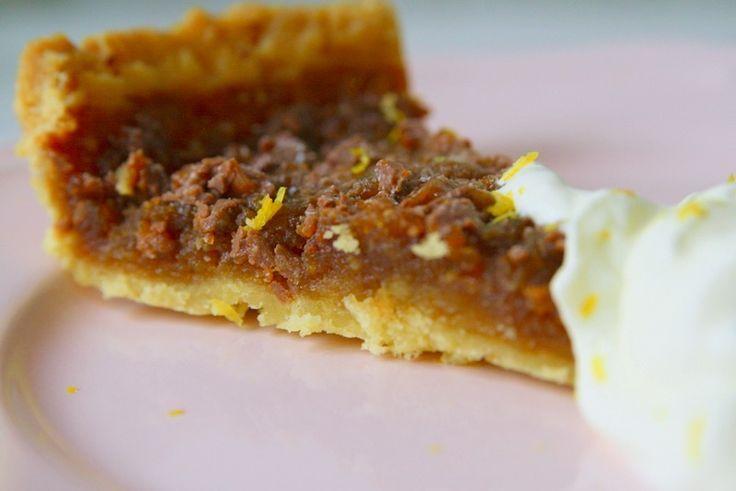 God morgon Nu är det dags för receptet på den efterfrågade daimpajen. Roligt att ni verkar uppskatta den- och den fick över 1000 gillamarkeringar på bloggensFacebook. Kul att ni hänger med där för alla dagliga recept & uppdateringar. En söt kaka som gör sig bra med citrongrädde. Det här behöver … Läs mer