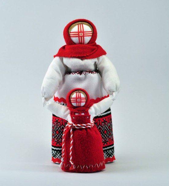 Мотанка з дитиною. Ведучка – це лялька, що символізує нерозривний зв'язок матері з дитиною, годувальницю, що проводить своє чадо у життя,– звідси і її назва. Відповідно, ця лялька вважалася оберегом матері та дитини, помічницею у вихованні.