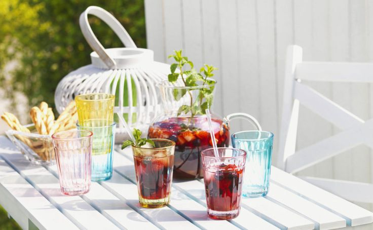 Refreshing Friday happy hour drink mixes to match your mood and thrill your tastebuds.