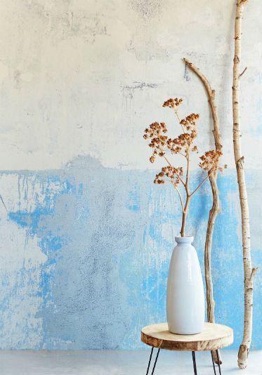 Eijffinger komt dit najaar met een nieuwe behangcollectie met de naam Resource. Met deze bijzondere behangen kan een kille witte wand getransformeerd worden in een stoere verweerde muur met houtnerven of geeft u een saai interieur wat meer pit door een muur te voorzien van een behang met glad gepolijst marmer. Net echt!