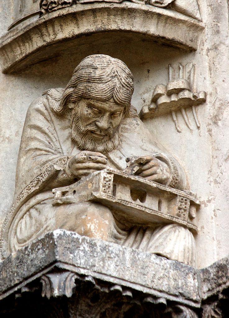 Pythagore écrivant - Cathédrale Notre-Dame de Chartres © Nick Thompson - CC…