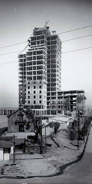 Antigua Capilla de San Honorato y obras de la Residencia. Primeros años de la década de los cincuenta.