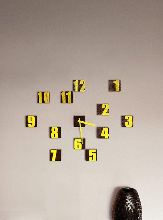Block Clock hölzerne Wanduhr gelbe Uhr von SuitCaseWorkshop auf Etsy
