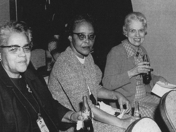 Кєтрин Джонсон,Дороти Воган и Мэри Джексон Источник: http://nlo-mir.ru/chelovek/47658-kjetrin-dzhonson.html