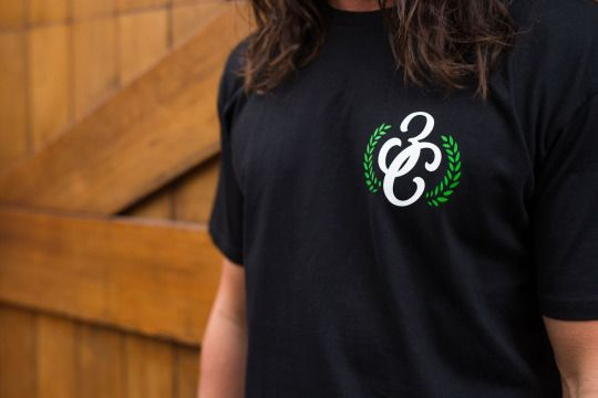 Hooked On Livin'- Wreather T-Shirt  #thirdchapter #3rdchapter #3c