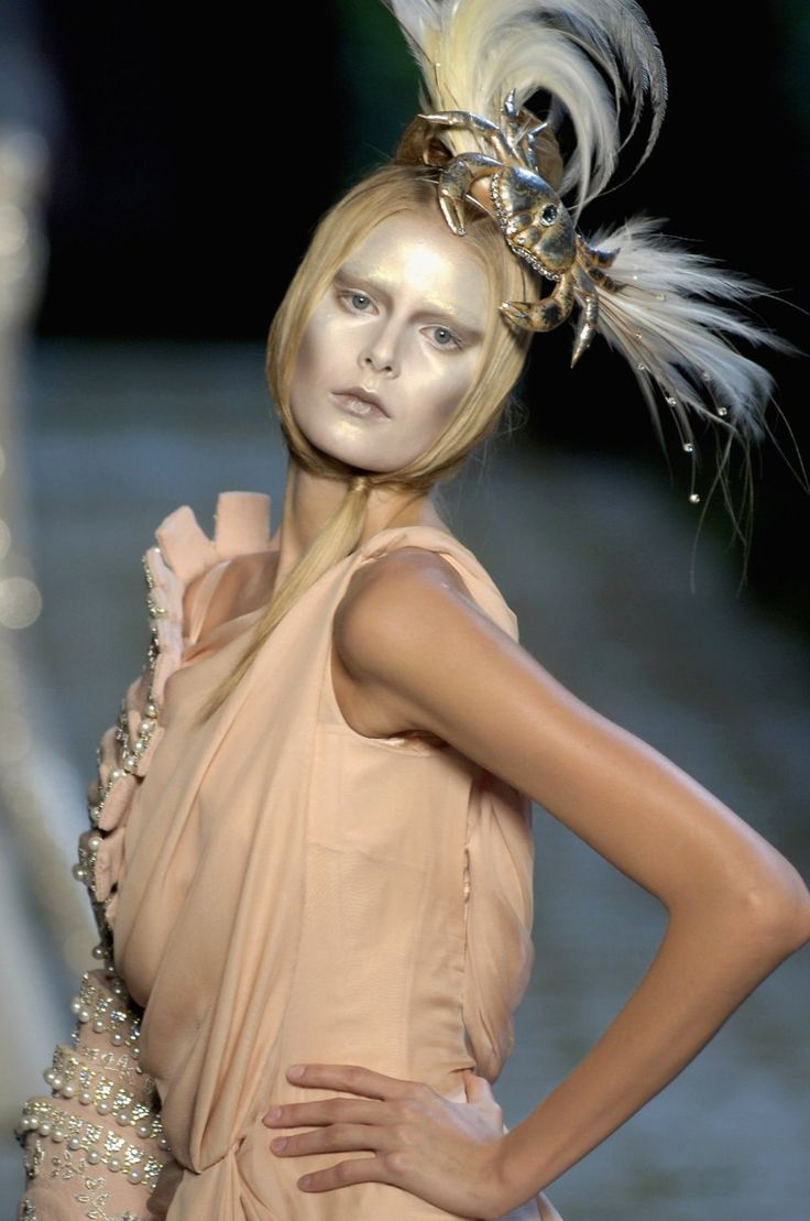 35 Best images about John Galliano for CD F/W 2006 Haute ...