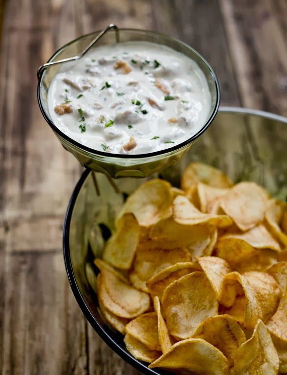Tomorrow is game day across the country and I can't wait to cheer on the Patriots! (Okay, I'm biased. I'll let you cheer for your team…) Since I am a Patriots fan, I thought it would be way too appropriate to share this delicious clam dip from theGlorified Home Chefherself, Erin Coopey. Whether you're cheering …